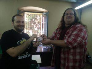 Neville recibiendo el pase a Gamingmania